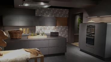 Cucina Convivium moderna con Isola