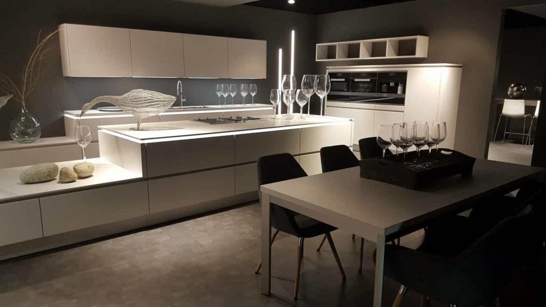 Cucina Convivium Minimal Design